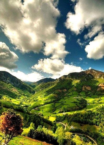 Mountain Valley, Lourdios-Ichere, Aquitaine, France